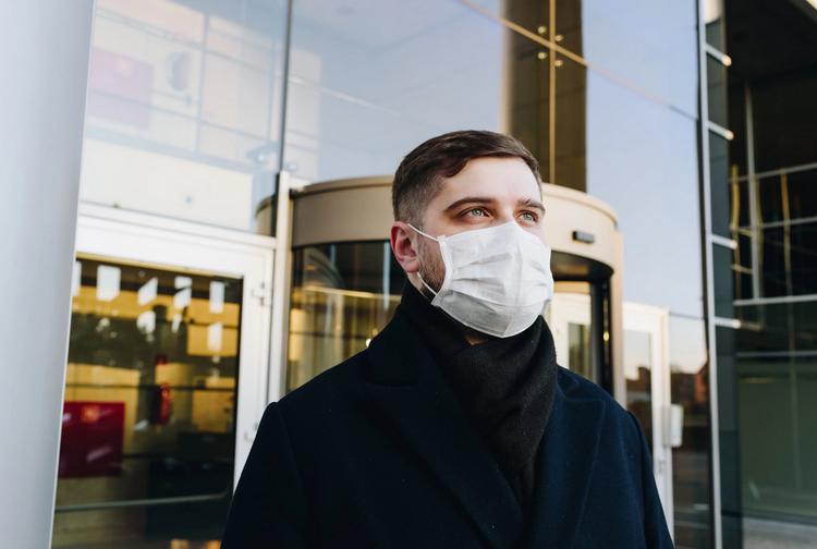 Маска-пандемия коронавируса