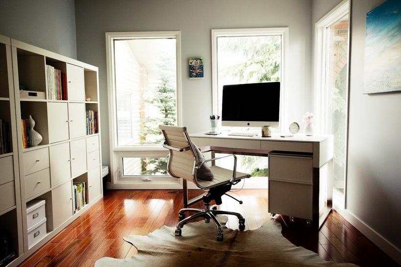 Отдельный рабочий кабинет-комната.