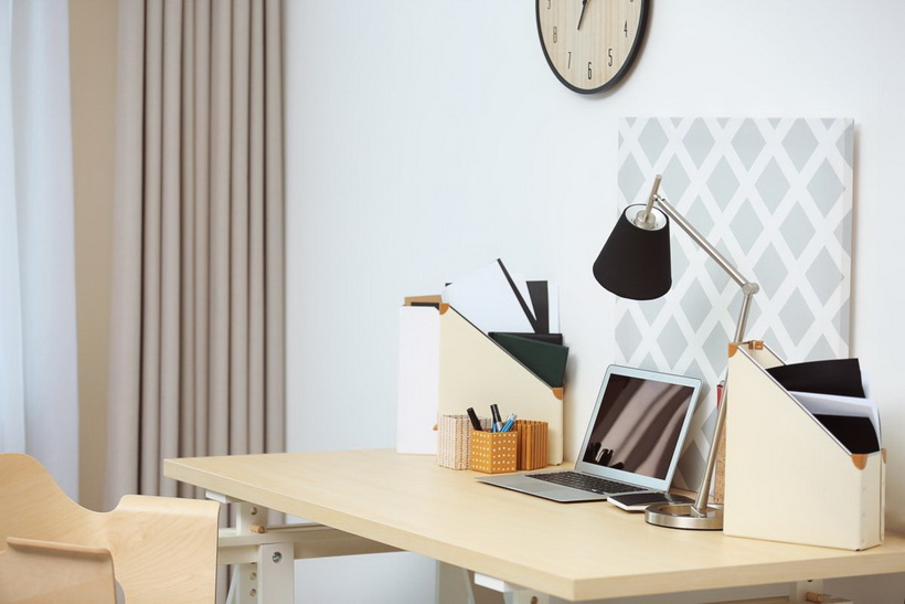 Удаленная работа-как организовать рабочее место настольная лампа