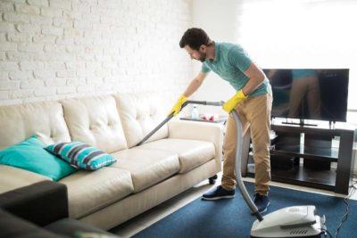 як почистити диван від засаленості
