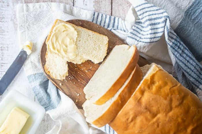 Хлеб-с маслом