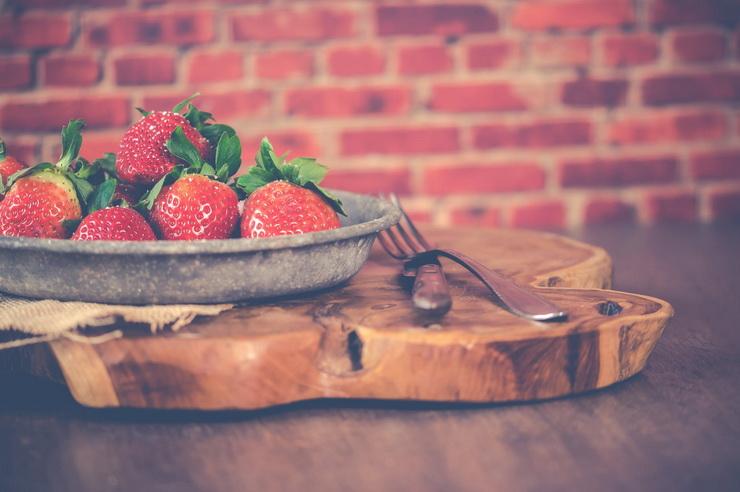 Клубничный сезон-как подать ягоды