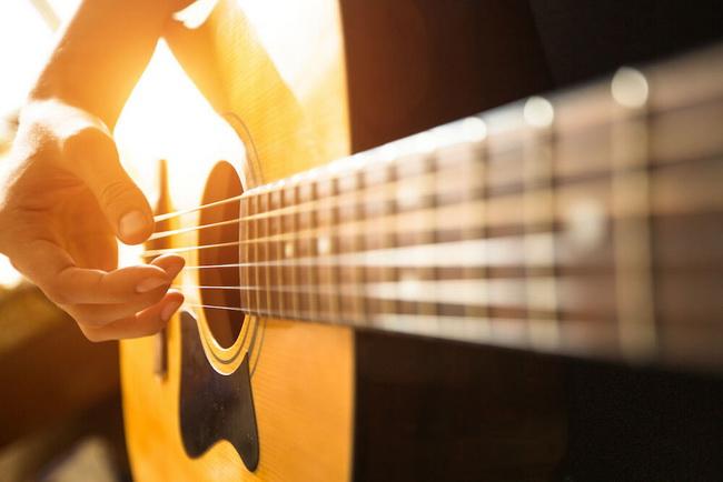 Игра на гитаре-это круто
