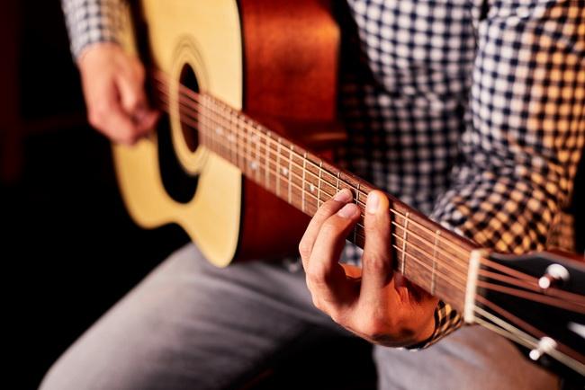 Песни под гитару-как научиться играть на гитаре