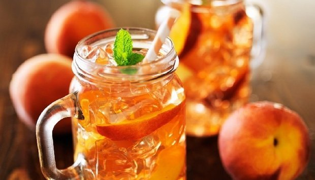 Холодный персиково-имбирный чай