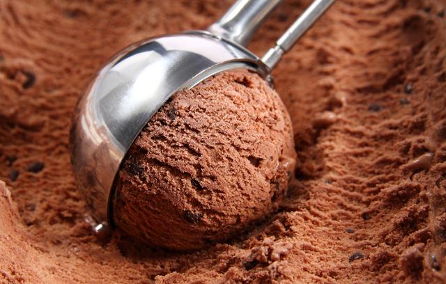 Шарик мороженого-фото