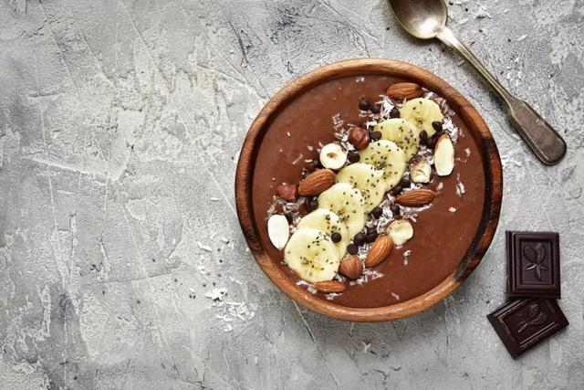 Шоколадный смузи-боул.
