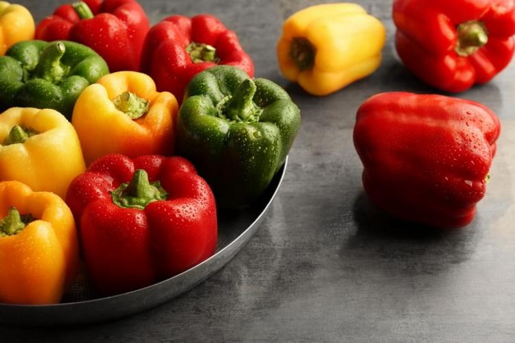 Болгарский перец-цветной
