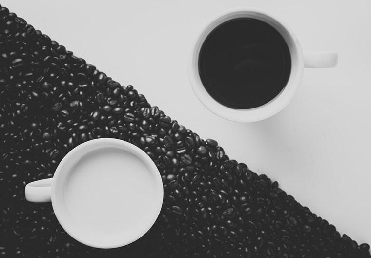 Черный и белый кофе