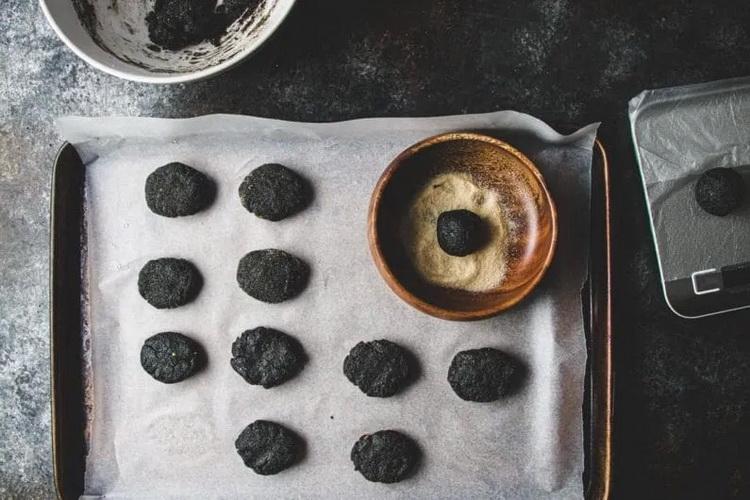 Печенье черные чернушки-приготовление