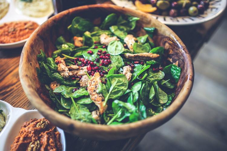 Салат со шпинатом-здоровое питание