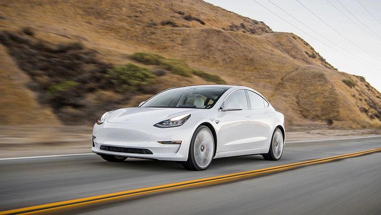 Tesla в дороге