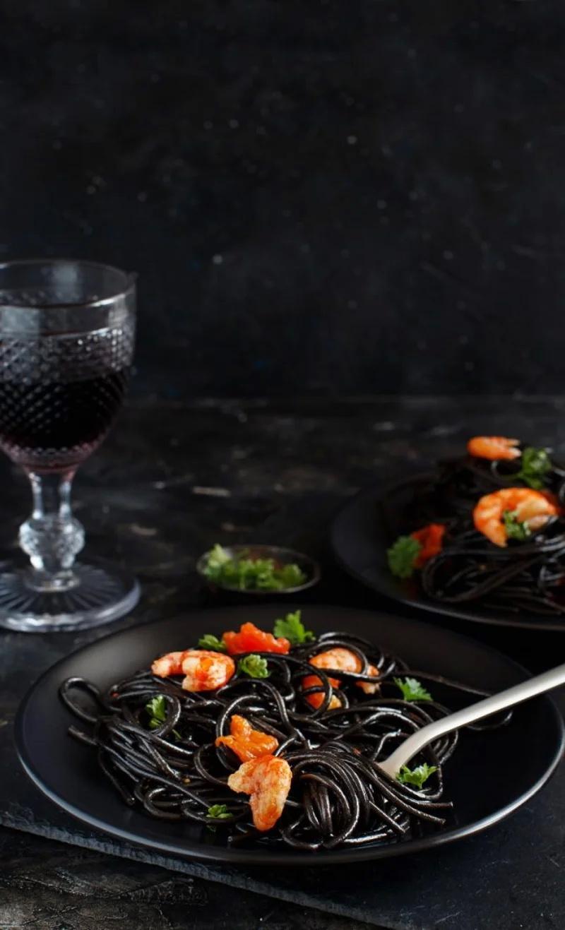 black halloween-спагетти
