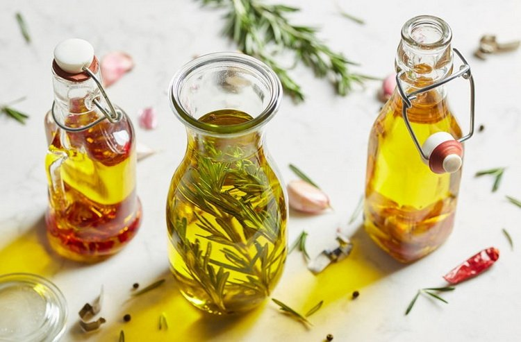 olive oil-with-rosemary 2