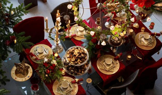 Новогодний стол-сервировка