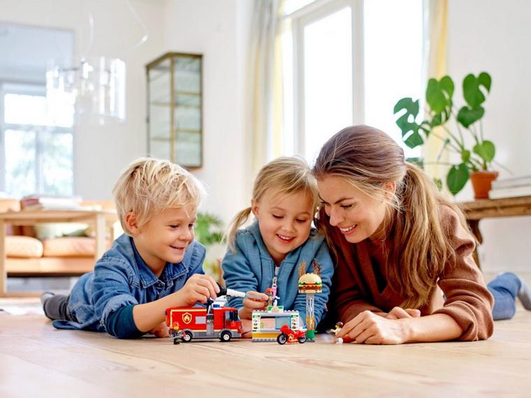 Лего-для детей и взрослых