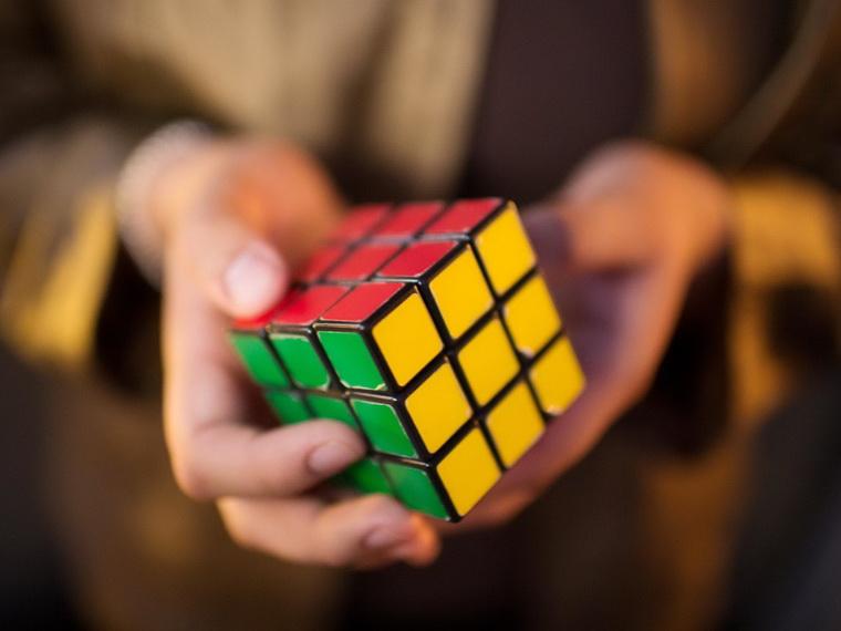 Кубик Рубика-головоломка-кроссворд