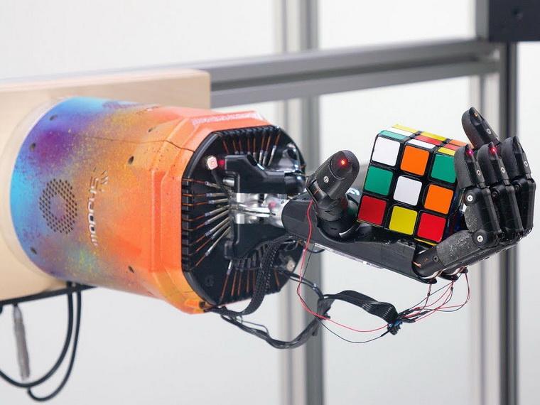 OpenAI-как собрать кубик Рубика одной рукой