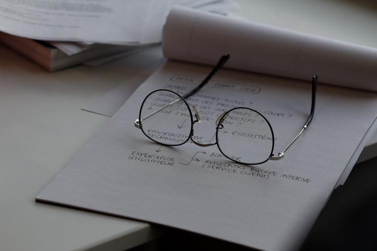 Аутлайнер помогает структурировать информацию намного быстрее, чем на бумаге