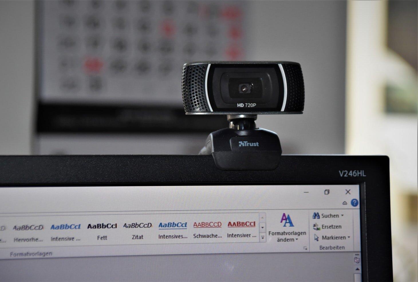 Kak-vybrat-webcameru-reyting